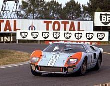 24 Hours of LeMans, LeMans, France, 1966. Ken Miles/Denis Hulme Shelby American race winning Ford Mark II at the Mulsanne Hairpin.